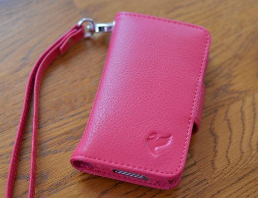 BellaVita iPhone Wristlet