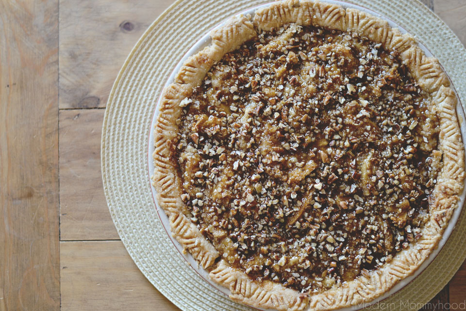 Caramel Apple Pie Recipe || ModernMommyhood.com - absolutely delicious and reminds me of apple cobbler!