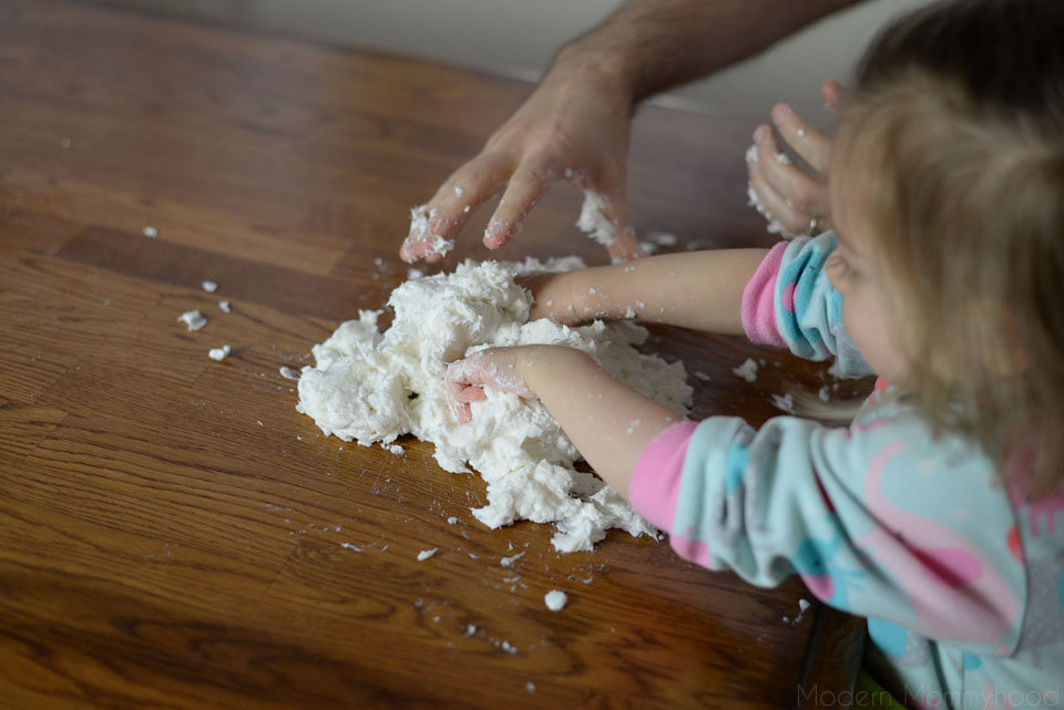Snow Dough Recipe - great sensory play for toddlers and kids! Made with only 3 ingredients! ModernMommyhood.com