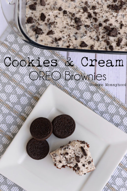 Cookies and Cream Oreo Brownies Recipe + Hamilton Beach Giveaway. Gooey fudgey brownies with bits of OREOS smothered with a yummy OREO buttercream frosting! Tastes like a soft Double Stuff OREO!