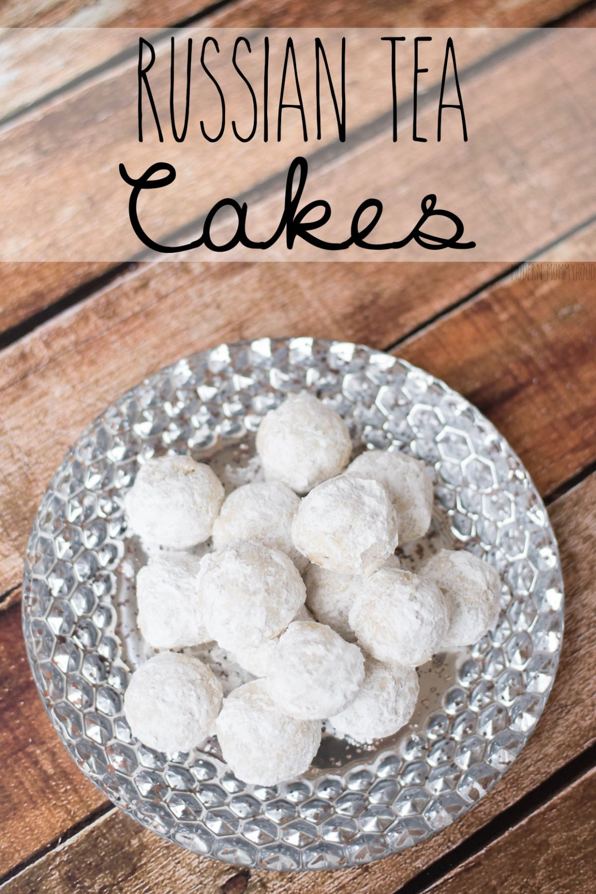 Russian Tea Cakes - a delicous cookie that will melt in your mouth and is perfect for the holidays!