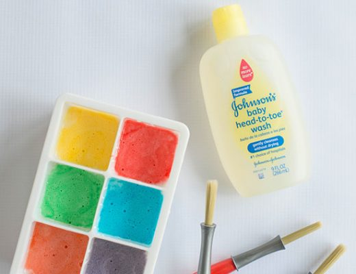DIY Bath Paints - easy to make paint that your toddlers and kids will love! Great sensory play! #johnsonspartners