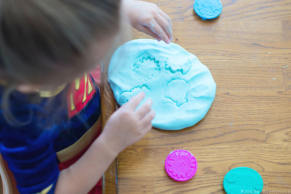 Super Soft Play Dough Recipe - Made from only 2 ingredients (and I bet you have them in your house!). This dough is a lot of fun for preschool aged kids, can be made into any color, and provides fun sensory play!