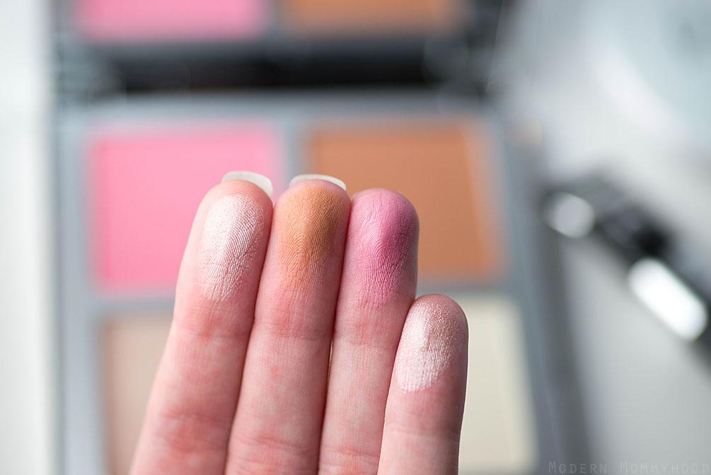 it cosmetics naturally pretty face palette - bye bye pores pressed blush, vitality matte bronzer, hello light creme, bye bye pores pressed powder