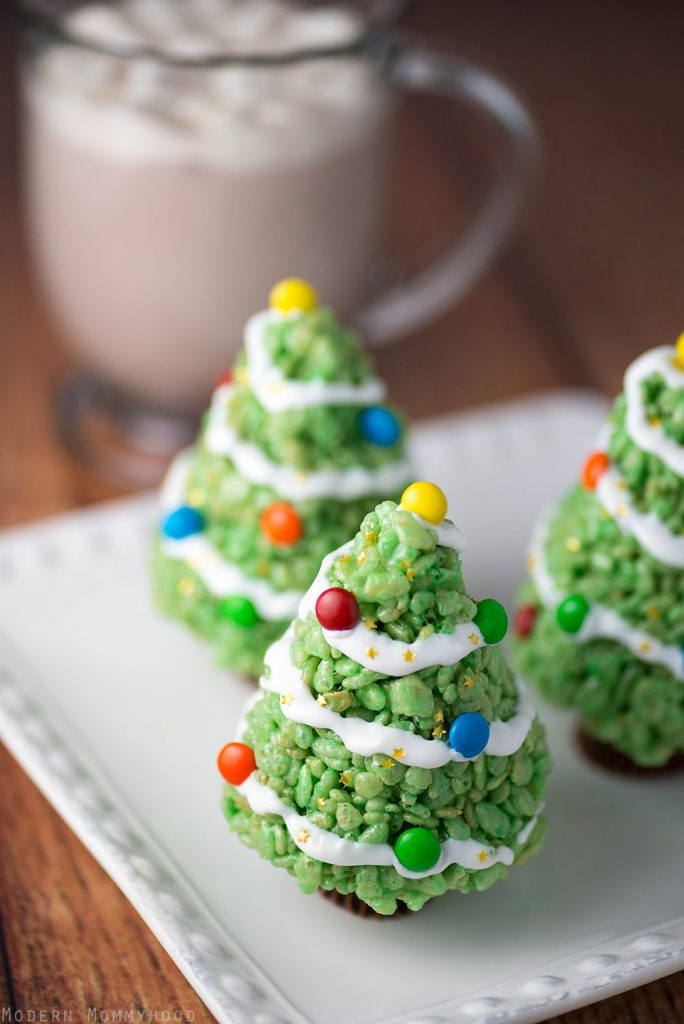 Krispie Treat Christmas Trees - a very easy holiday dessert! Perfect for school parties and family holiday get togethers!