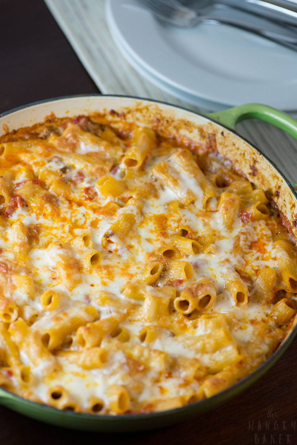 One Pot Baked Ziti - a hearty pasta dish recipe that's easy to make, the whole family will enjoy and has hardly any clean up! Perfect for a weeknight meal!