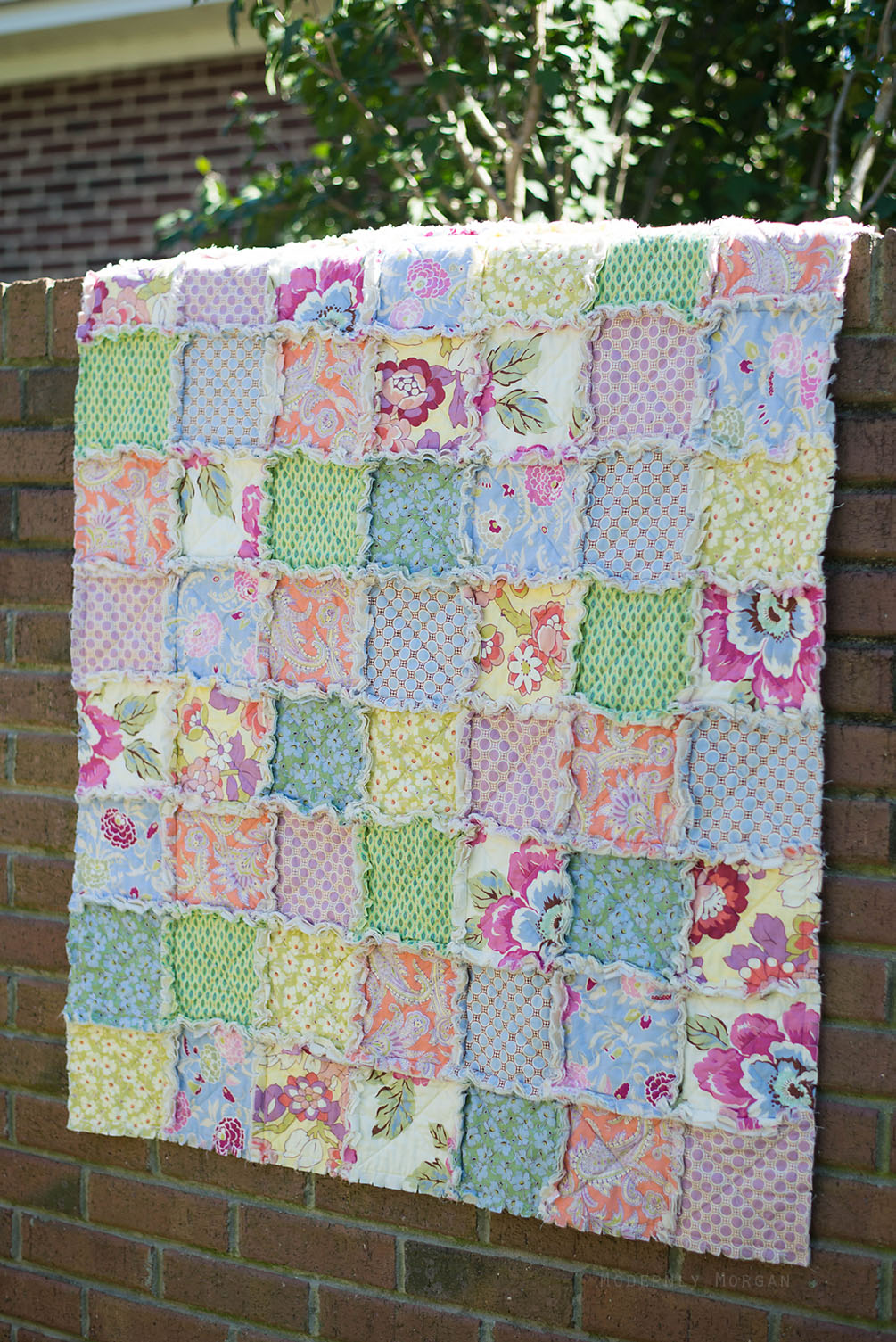 Rustic Rag Quilt Tutorial - Modernly Morgan : easy first quilt - Adamdwight.com