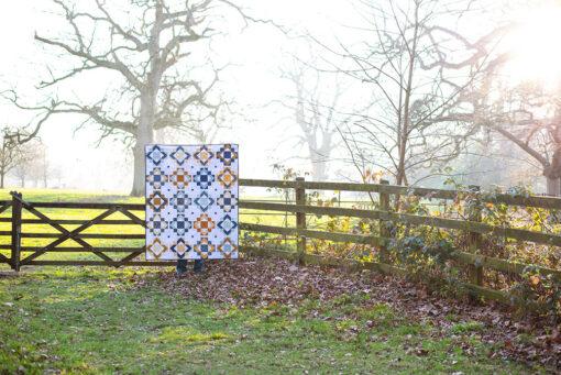 Framed Folk Quilt - a fat quarter friendly quilt pattern by Modernly Morgan