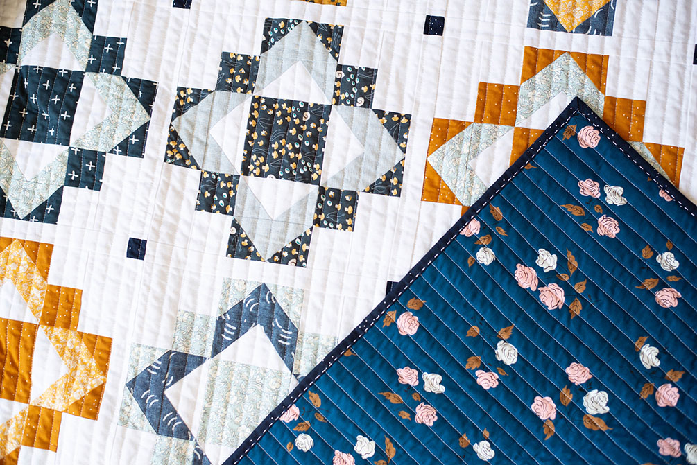 Framed Folk Quilt - a fat quarter friendly quilt pattern by Modernly Morgan
